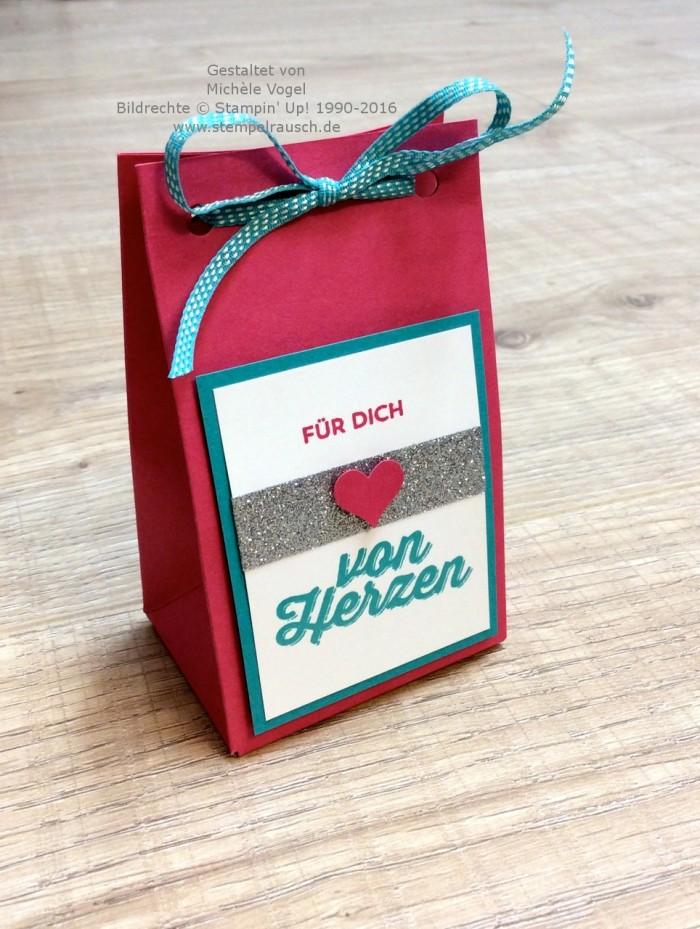 Geschenkverpackung basteln - Geschenktüte mit dem Stanz- und Falzbrett für Geschenktüten und dem Stempelset Paarweise, Glitzerklebeband Metallfarben SAB 2016 von Stampin' Up! www.stempelrausch.de