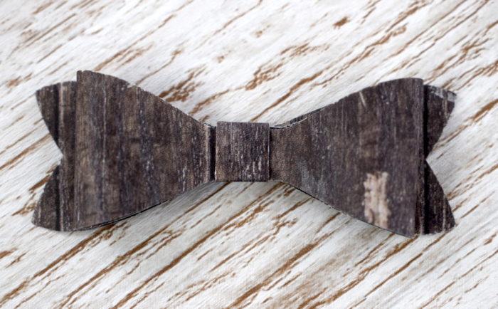 Ein Mini Stampin' Dimensional von Stampin' Up! auf der Unterseite der Schleife befestigt, die zuvor mit der Elementstanze Schleife ausgestanzt und zusammen geklebt wurde. www.stempelrausch.de