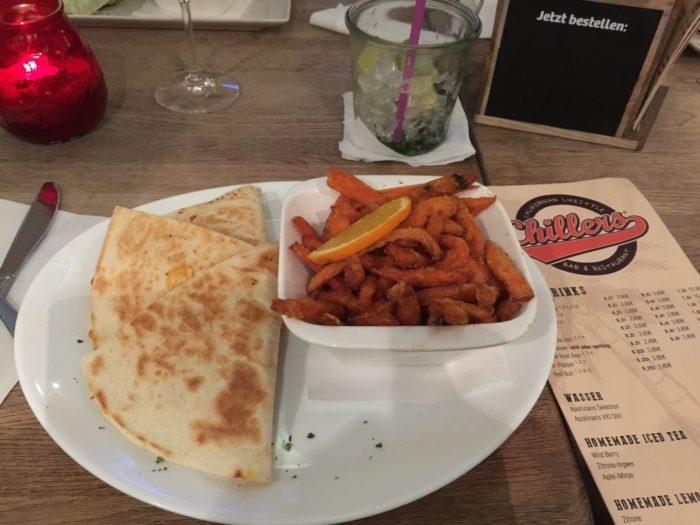 Essen im Chillers, in Wiesbaden