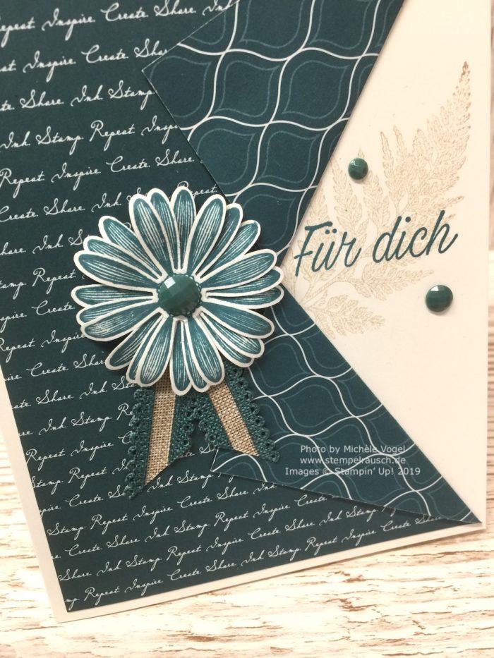 Grusskarten in der In Color Farbe 2019-2021 Pfauengrün kombiniert mit Savanne, mit dem Stempelset Gänseblümchenglück und der Stanze mittelgrosses Gänseblümchen von Stampin' Up!_Detailbild_www.stempelrausch.de