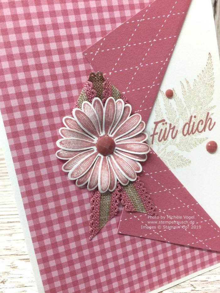 Grusskarten in der In Color Farbe 2019-2021 Rokoko-Rosa kombiniert mit Savanne, mit dem Stempelset Gänseblümchenglück und der Stanze mittelgrosses Gänseblümchen von Stampin' Up!_Detailbild_www.stempelrausch.de
